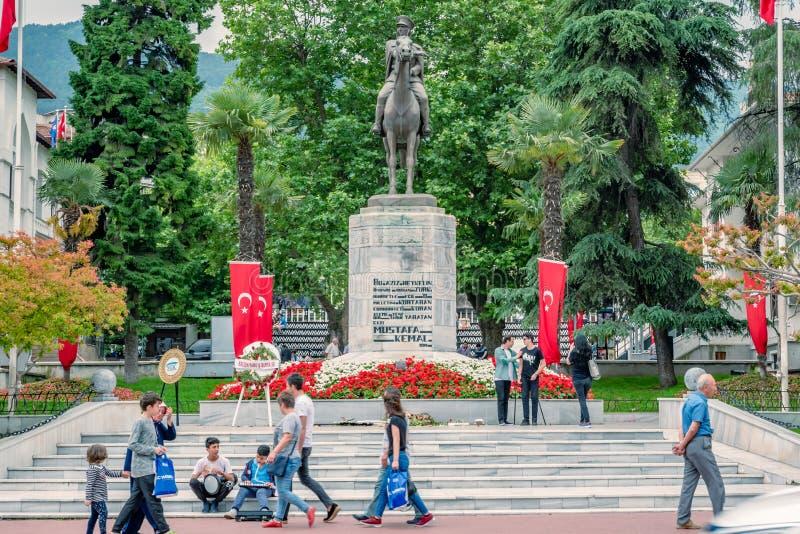 Статуя Mustafa Kemal Ataturk в Бурсе, Турции стоковое изображение