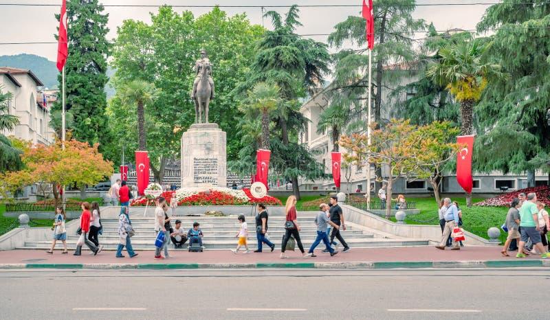 Статуя Mustafa Kemal Ataturk в Бурсе, Турции стоковые изображения rf