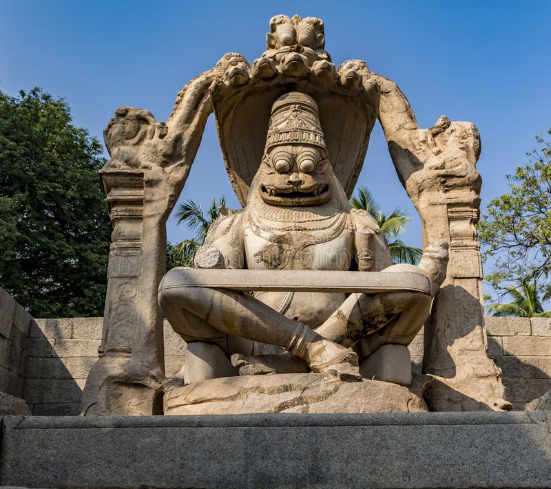 Статуя Narasimha в Hampi стоковые фотографии rf