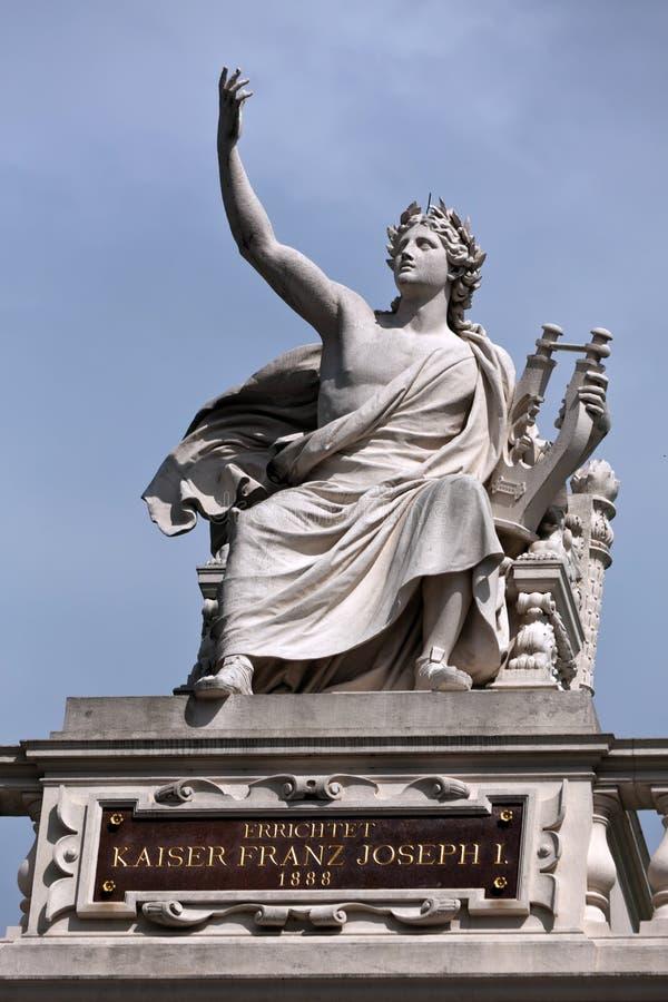 статуя orpheus стоковая фотография rf