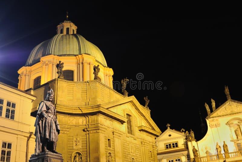 статуя prague императора charles стоковая фотография rf