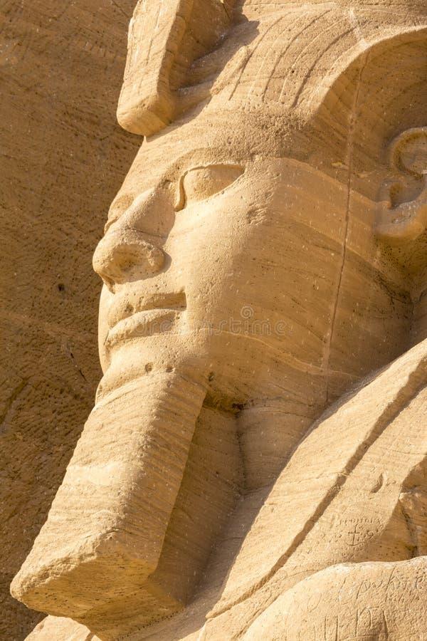 Статуя Ramses II, большой висок Abu Simbel, Египта стоковое фото rf