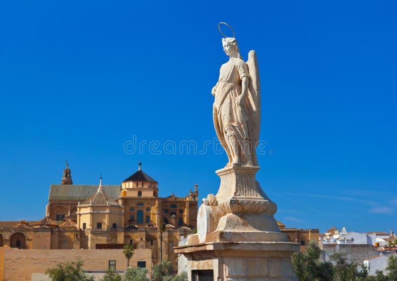Статуя Raphael Archangel на Cordoba Испании стоковая фотография rf