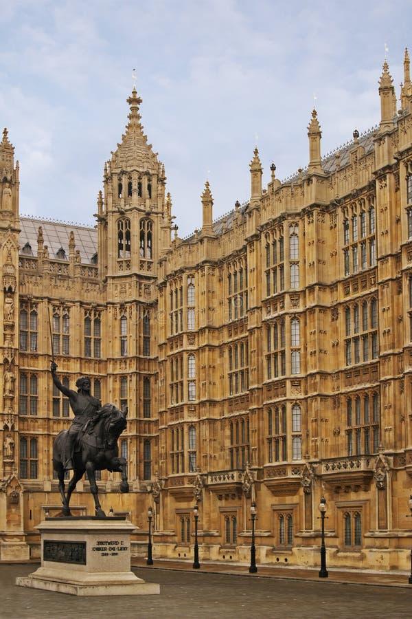 статуя richard парламента london 3 домов стоковая фотография