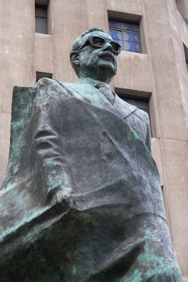 Статуя Salvador Allende на Сантьяго, Чили стоковая фотография rf