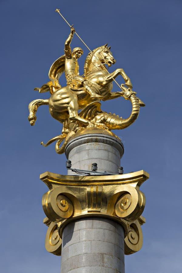 Статуя St. George и дракон в свободе придают квадратную форму в Тбилиси, Georgia стоковые изображения