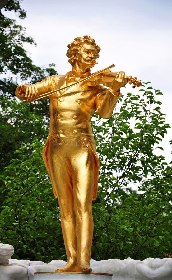 Статуя strauss Johann в вене стоковая фотография rf