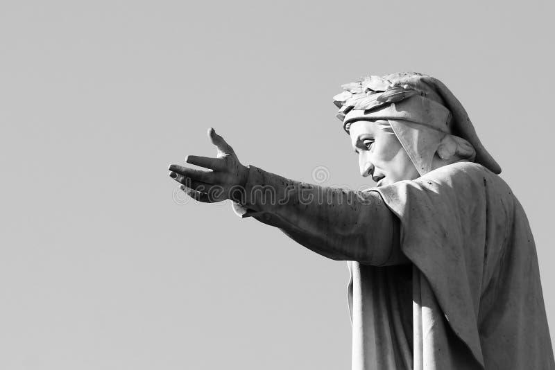 статуя verona Италии dante alighieri стоковая фотография rf