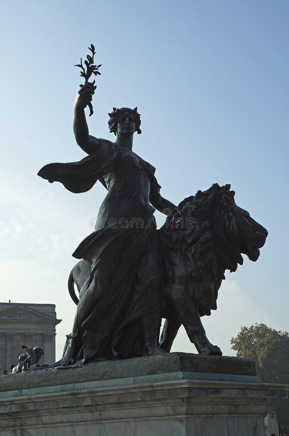 статуя victoria ферзя памятника стоковое изображение rf