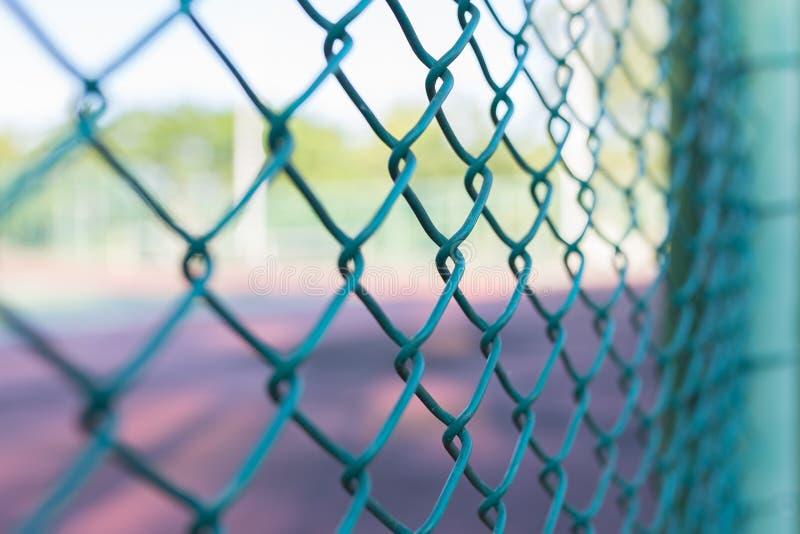Стальная загородка сетки стоковые изображения rf