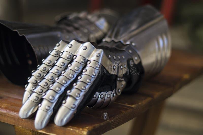 Стальные перчатки стоковое фото rf