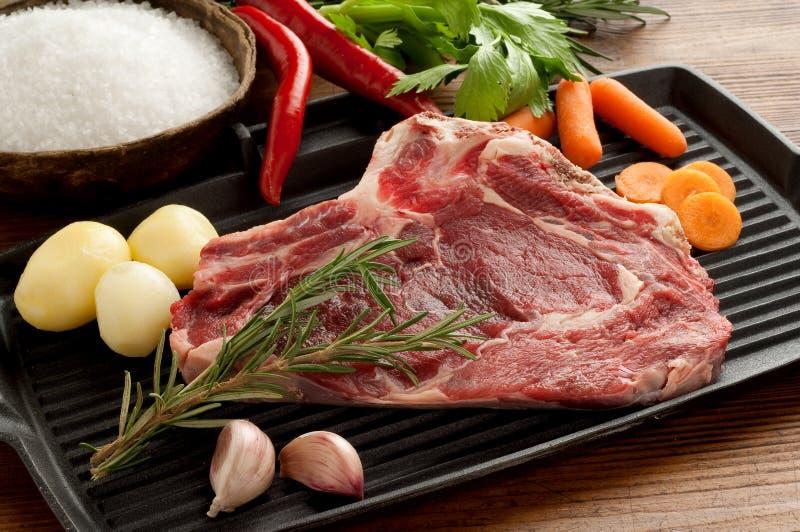 стейк говядины близкий вверх стоковое изображение rf