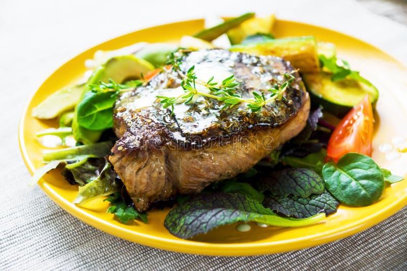 стейк зажженный говядиной стоковое фото
