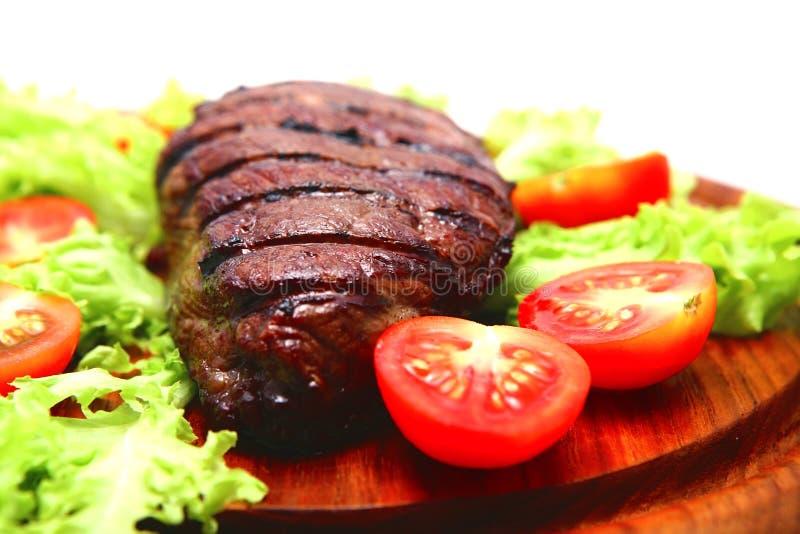 Download стейк плиты мяса говядины деревянный Стоковое Фото - изображение насчитывающей обед, голодно: 6851774