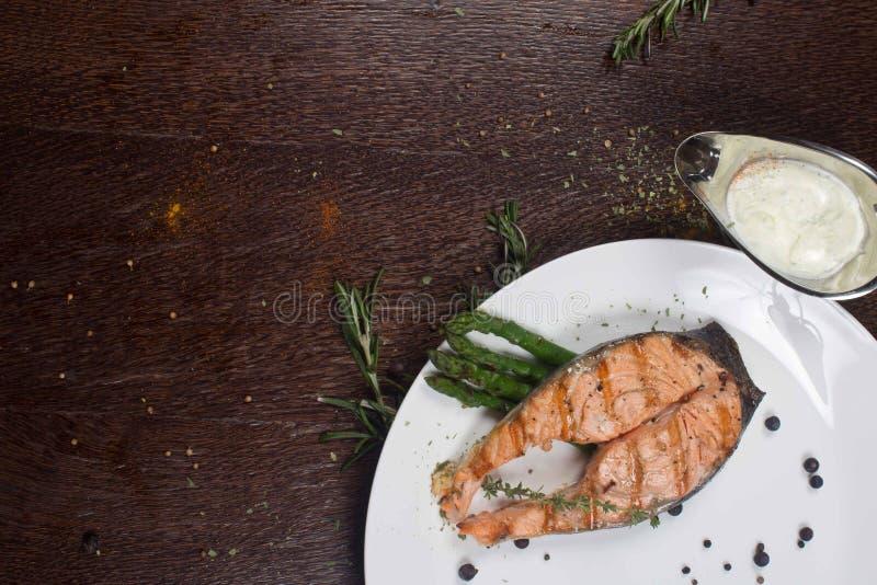 Стейк рыб семг гриля красный стоковая фотография rf