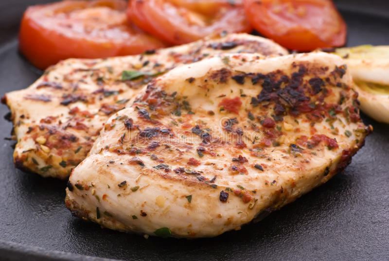 стейк цыпленка пряный стоковое изображение rf