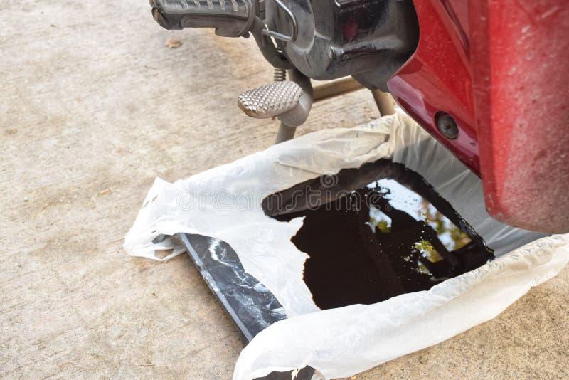 Стеките старую смазку от двигателя стоковая фотография rf