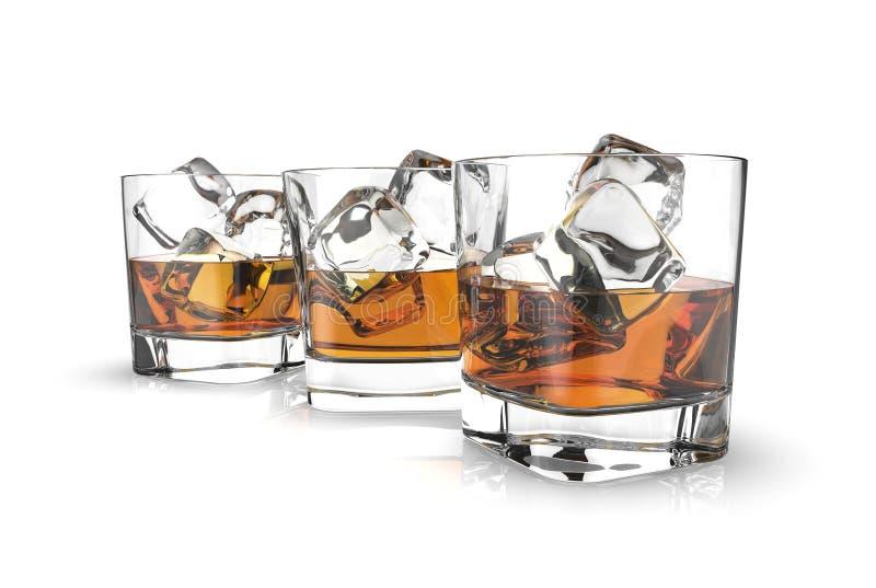 3 стекла вискиа при кубы льда изолированные на белой предпосылке бесплатная иллюстрация