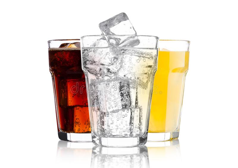 Стекла колы и напитка и лимонада оранжевой соды стоковое изображение rf