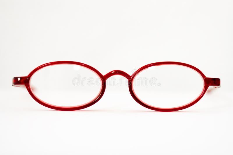 Download стекла раскрывают красный цвет чтения Стоковое Фото - изображение насчитывающей глаз, красно: 6857282