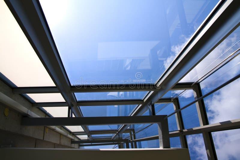стекло здания внутри стены съемки офисов стоковые изображения