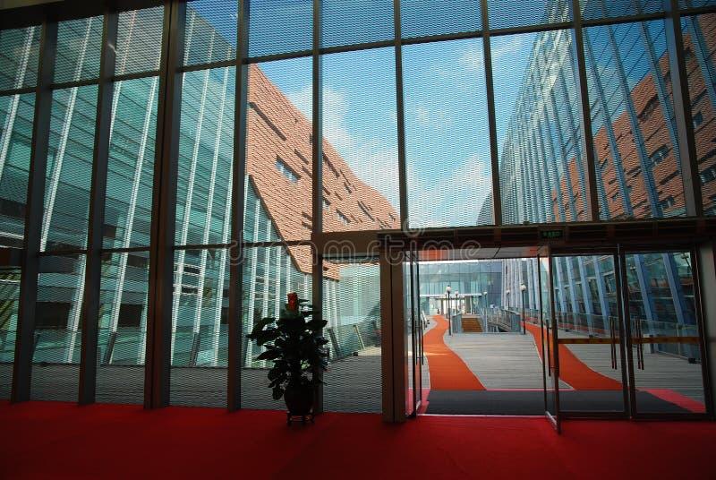 стеклянная стена стоковое изображение rf