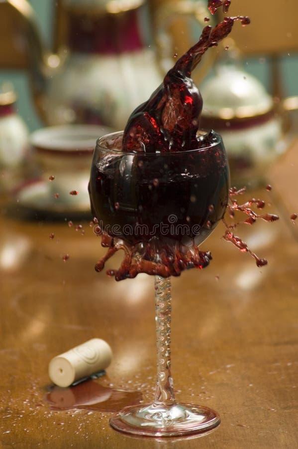 стеклянное красное вино стоковые изображения rf