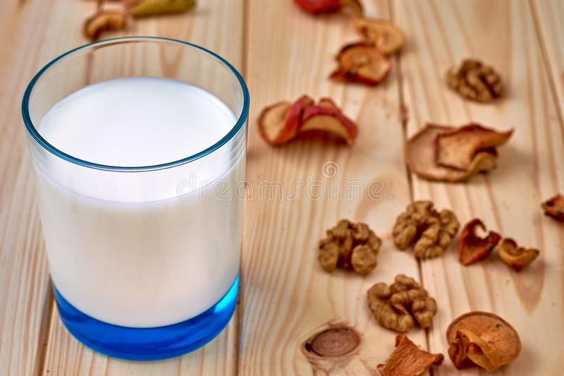 стеклянное молоко еда здоровая стоковые изображения