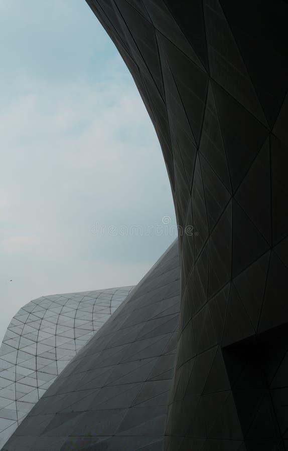 Стеклянное отражение ненесущей стены здания стоковая фотография