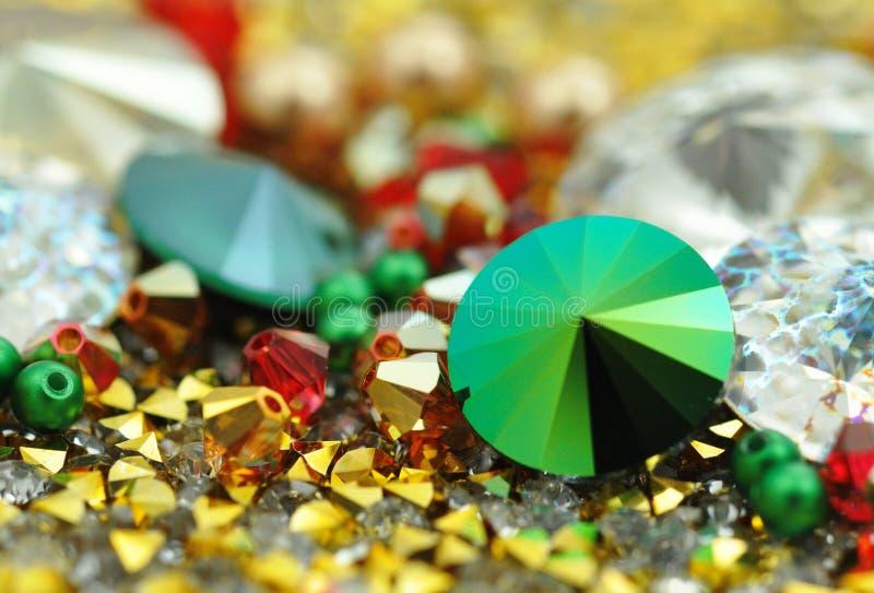 Стеклянные кристаллы в различных цветах стоковая фотография