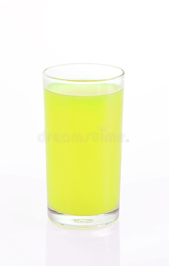 стеклянный лимон сока белизна изолированная предпосылкой стоковая фотография