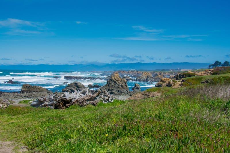 Стеклянный пляж Fort Bragg Калифорния стоковая фотография