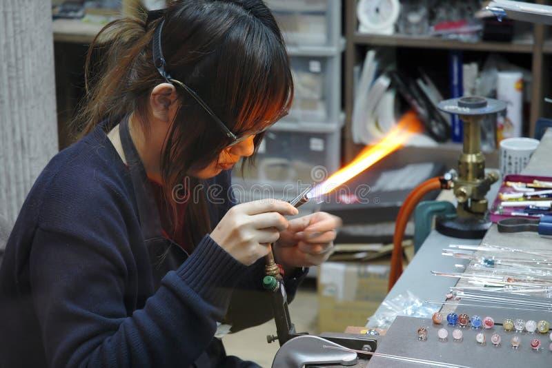 Download стеклянный работник стоковое фото. изображение насчитывающей стекло - 1195080