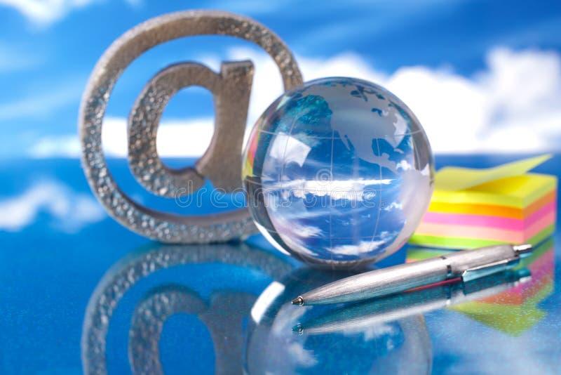 стеклянный символ интернета глобуса стоковая фотография rf
