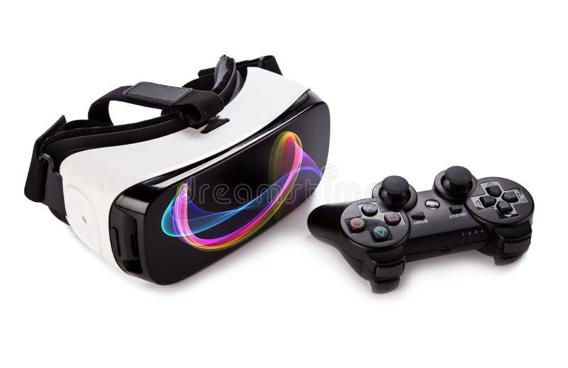 Стекла виртуальной реальности VR с gamepad стоковое изображение rf