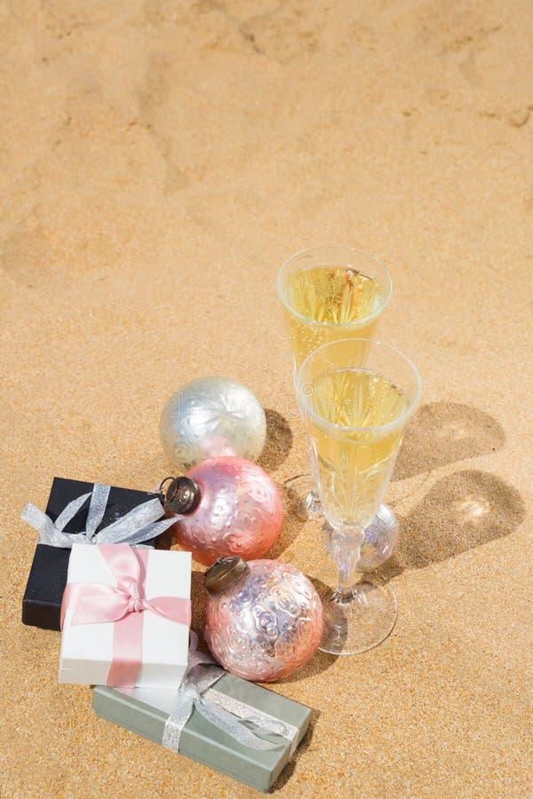 2 стекла шампанского рождества стоковая фотография rf