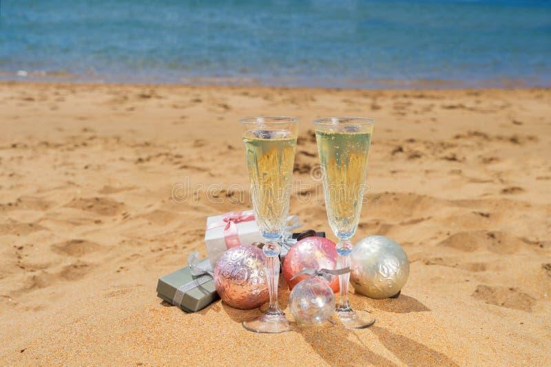 2 стекла шампанского рождества стоковые изображения