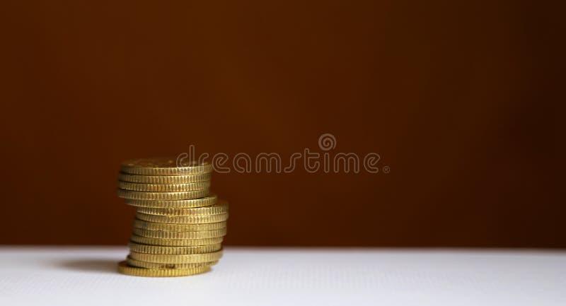 стек монет - концепция финансирования и экономии стоковое фото