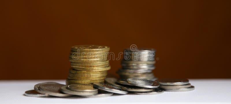 стек монет - концепция финансирования и экономии стоковое изображение
