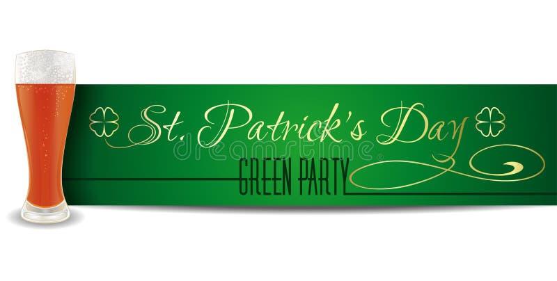 Стекло пива на предпосылке знамени дня St Patricks литерность золота на зеленой предпосылке иллюстрация штока