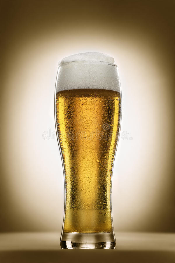 Стекло пива пшеницы стоковые фотографии rf