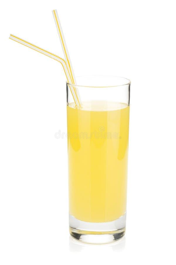 Стекло сока лимона с выпивая сторновкой 2 стоковая фотография rf