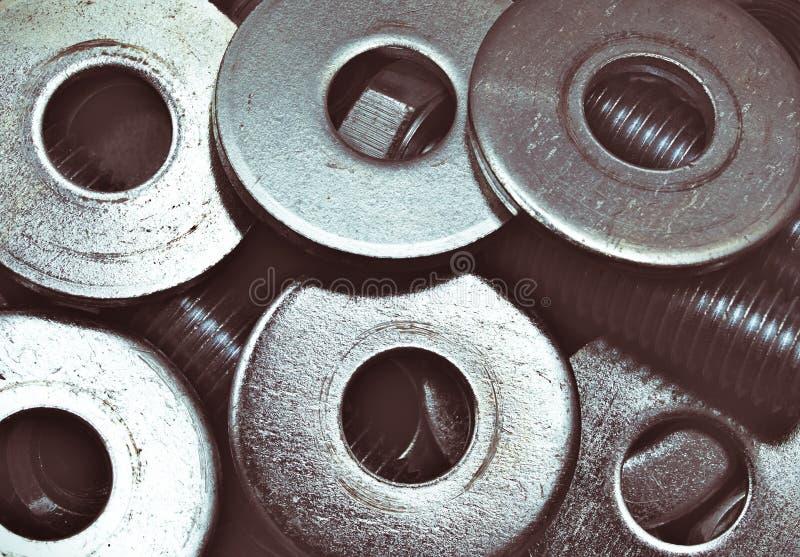 стеллаж стальных болтов и стиральных болтов, цинковый кучи хром стоковое фото rf