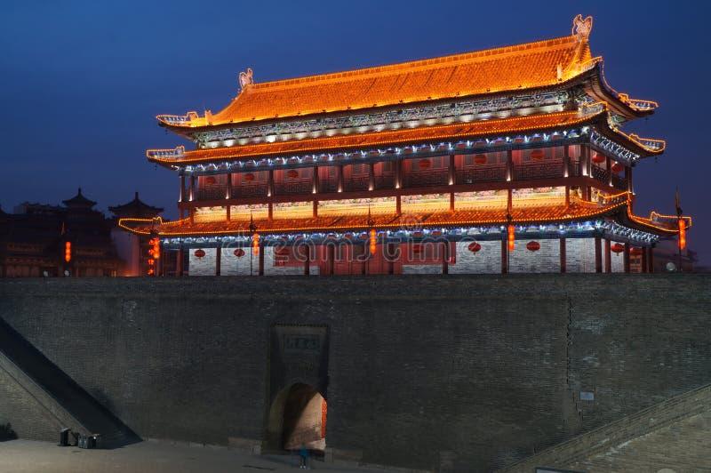 Стена города Xian Китая стародедовская на ноче стоковое фото