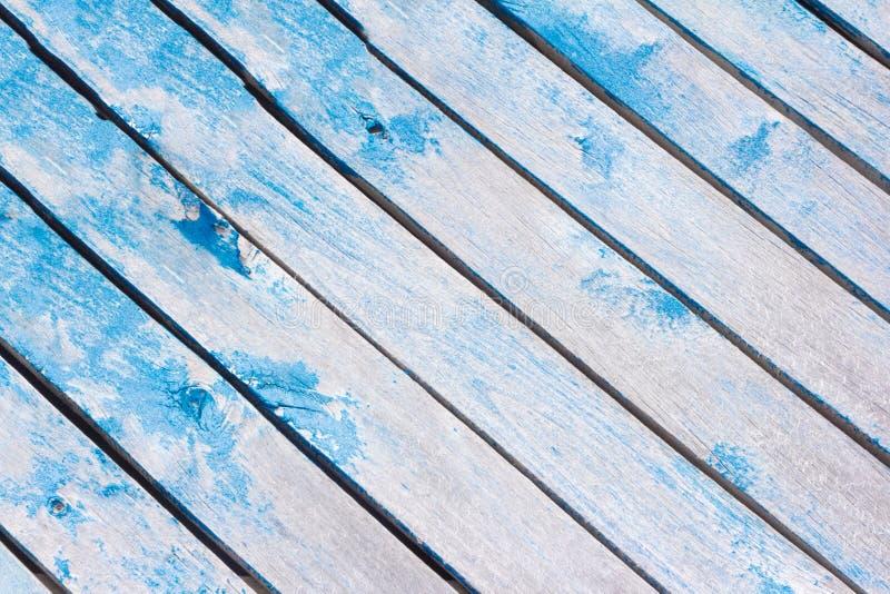 Стена деревянной текстуры предпосылки старая деревянная при доски пригвозженные на диагонали стоковое изображение rf