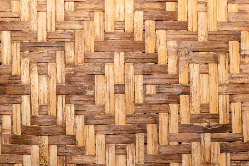 Стена дома сделанная из частей бамбука стоковое изображение rf