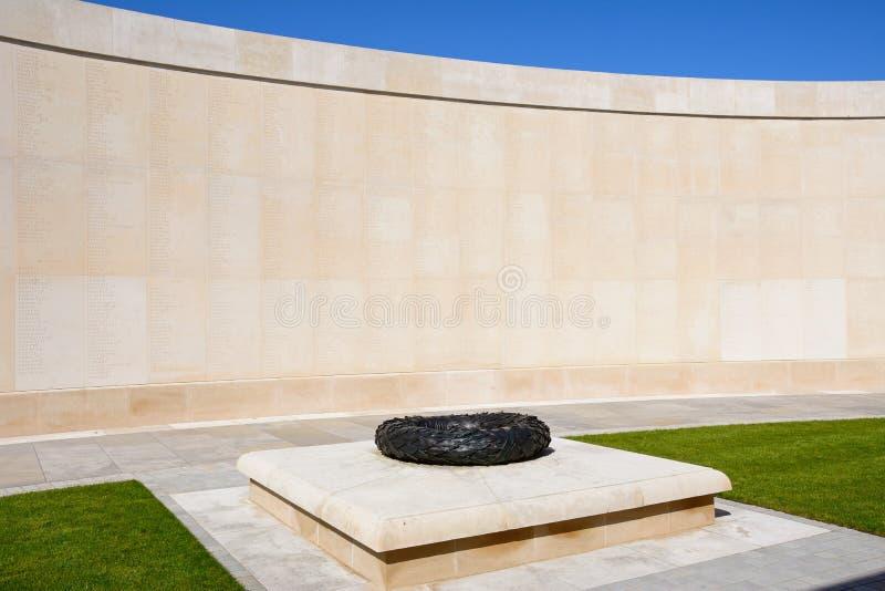 Стена имен в вооруженных силах страны мемориальных на национальном мемориальном дендропарке, Alrewas стоковое изображение rf