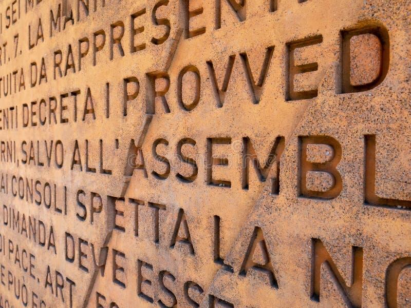 Стена итальянской конституции стоковое фото rf