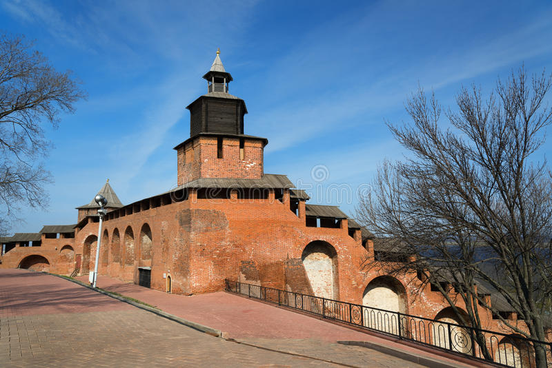 Стена и башня Nizhny Novgorod Кремля стоковое фото rf