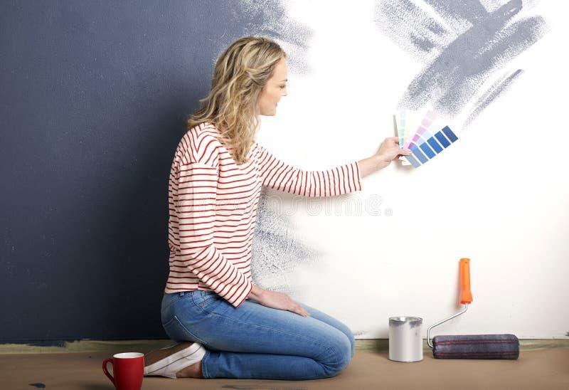 Стена картины женщины стоковые изображения rf